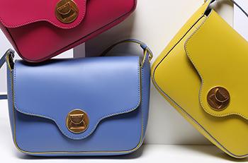Чистые линии и интенсивность цвета в новой коллекции Coccinelle.