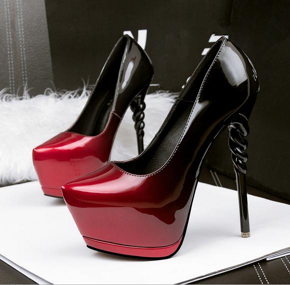 Женские туфли на каблуке и без него, нарядные и повседневные: что модно в этом году