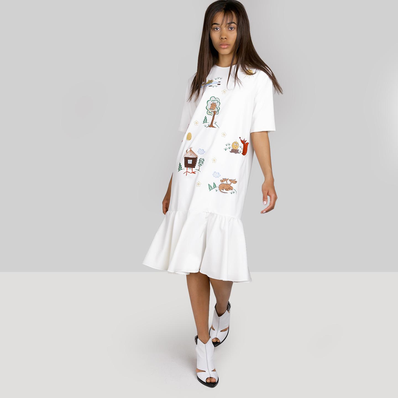 42734a9b8d2 Белое платье с воланом и яркой вышивкой Beribegi ...