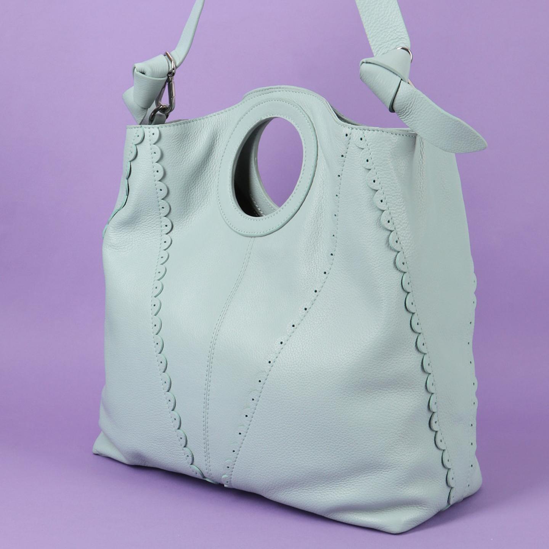 bd688eec55d5 Объемная кожаная сумка с круглыми ручками Tosca Blu Женские классические  сумки ...