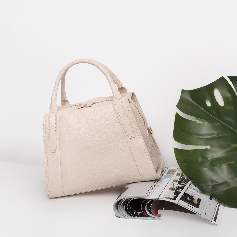 Бежево-розовая сумка-трапеция из мягкой натуральной кожи – Россия ... d0b25ab39c7