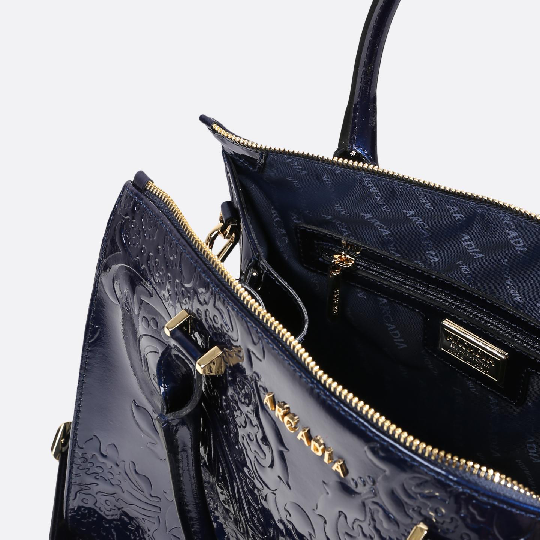 Изысканная сумка из синей лаковой кожи и узорным тиснением – Италия ... 1c472c95ba059