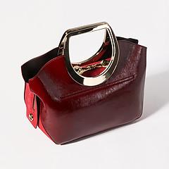 935366a4883a ... Сумочка бордового цвета небольшого размера из натуральной лаковой кожи  со вставками из замши Carlo Salvatelli 441