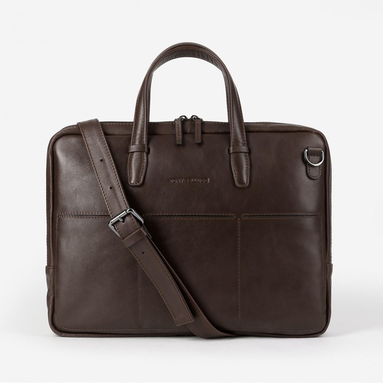 7adc440e3192 Мужская деловая сумка из гладкой темно-коричневой кожи черного цвета Tony  Bellucci ...