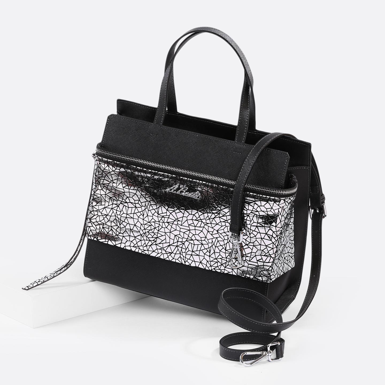 85f6714150fd Женская кожаная сумка классической формы с большим карманом спереди  Alessandro Beato ...