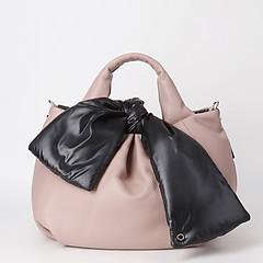 38d898d307cd ... Светло-розовая двусторонняя сумка из мягкой кожи в сочетании со  стеганой болоньевой тканью Roberta Gandolfi