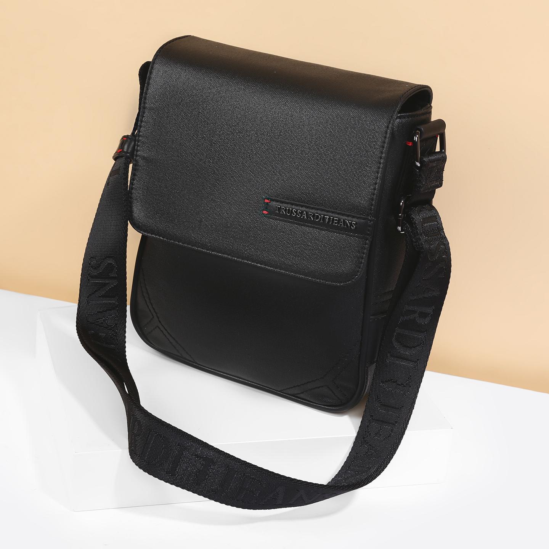 937b3a4e563e Сумка через плечо Trussardi Jeans 71B00003-1Y090092 K299 black ...