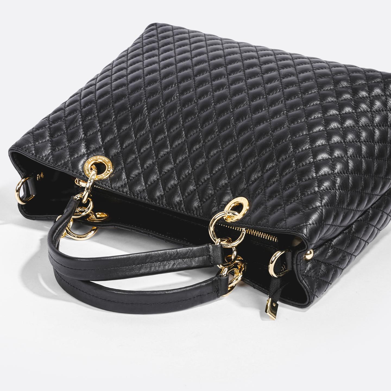 a661dc49de5b Классическая стеганная сумка – Италия, черного цвета, натуральная ...