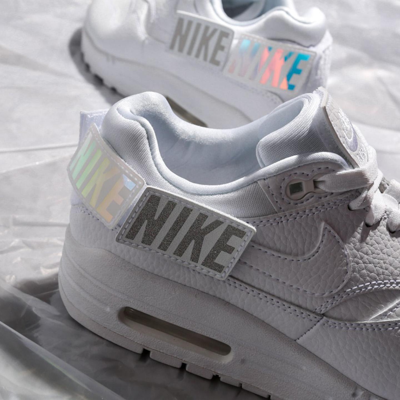 Кроссовки Nike AQ7826-100 white – Китай, Индонезия, белого цвета ... d9db9b0a176