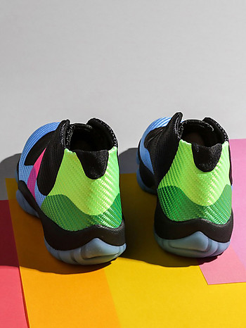 Женские кроссовки JORDAN FUTURE Q54 Nike AT9192-001 multicolor