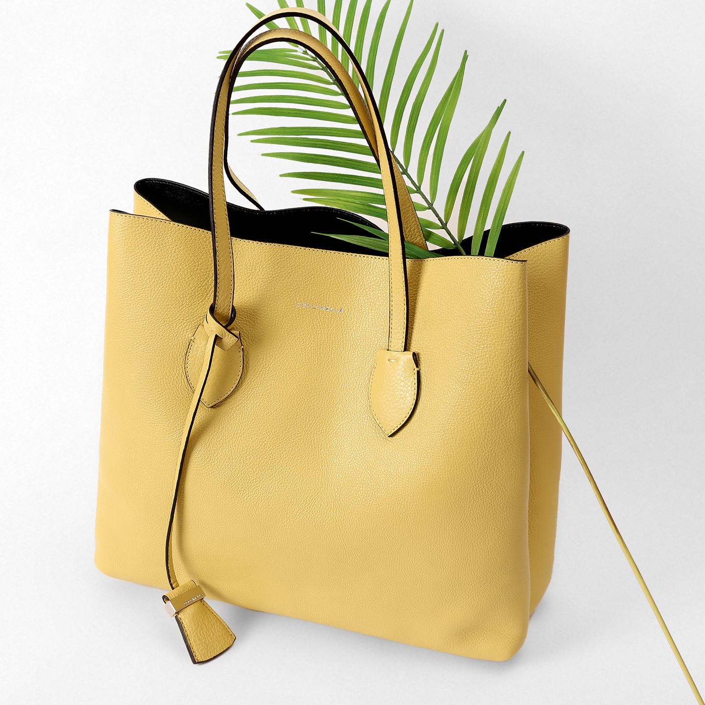 Желтая сумка-шоппер Celene Coccinelle ... 941bbc69a66a7