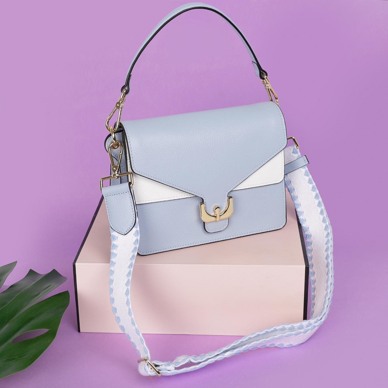 415cbefcc507 Голубая сумка Ambrine с текстильным ремнем и пряжкой Coccinelle Женские  сумки ...