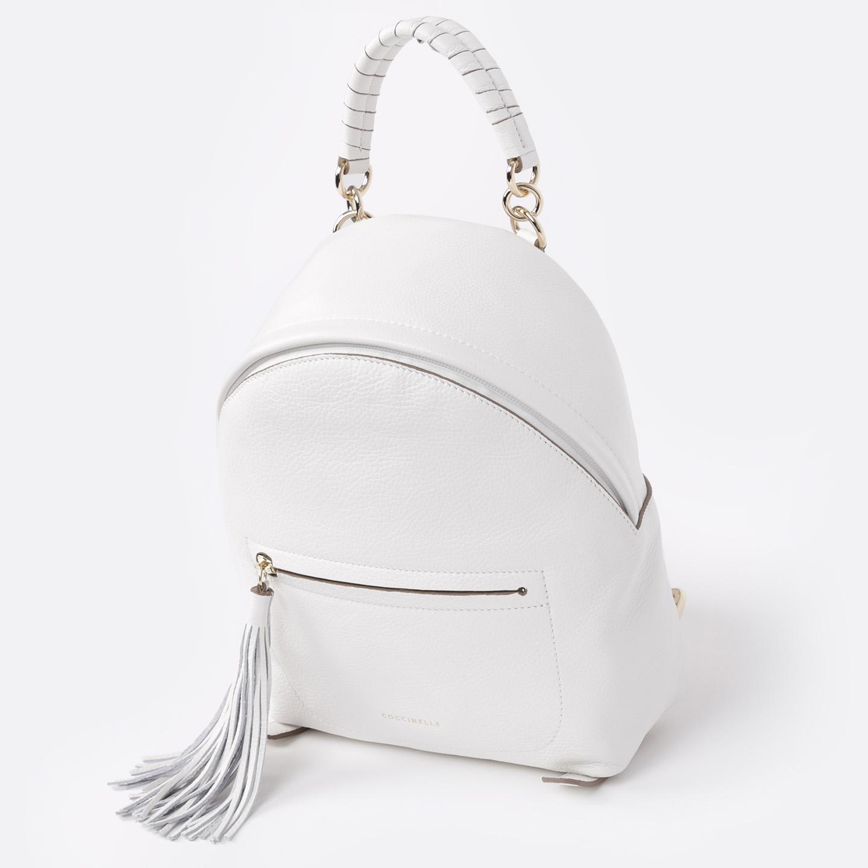 cc34a7093bf6 Белый кожаный рюкзак с кисточкой Leonie Coccinelle Женские рюкзаки ...