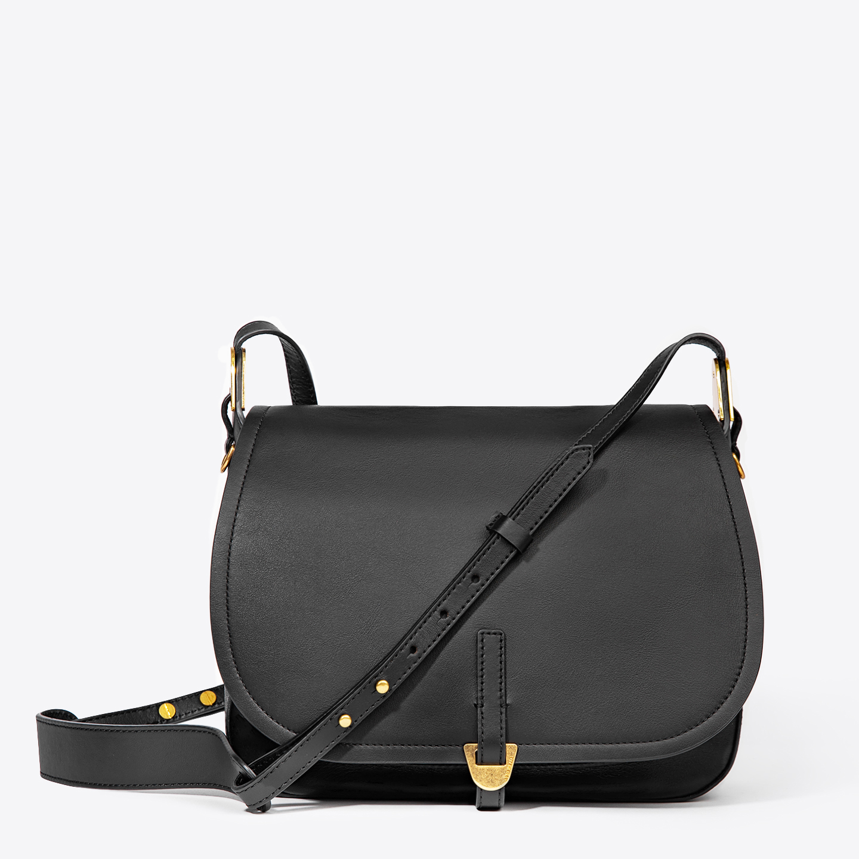 a612019a398c Черная кожаная сумка через плечо Fauve Smooth среднего размера Coccinelle  Женские ...