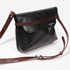 f603be613731 ... Черная сумка на плечо из плотной кожи Alexander TS P0016 black brown