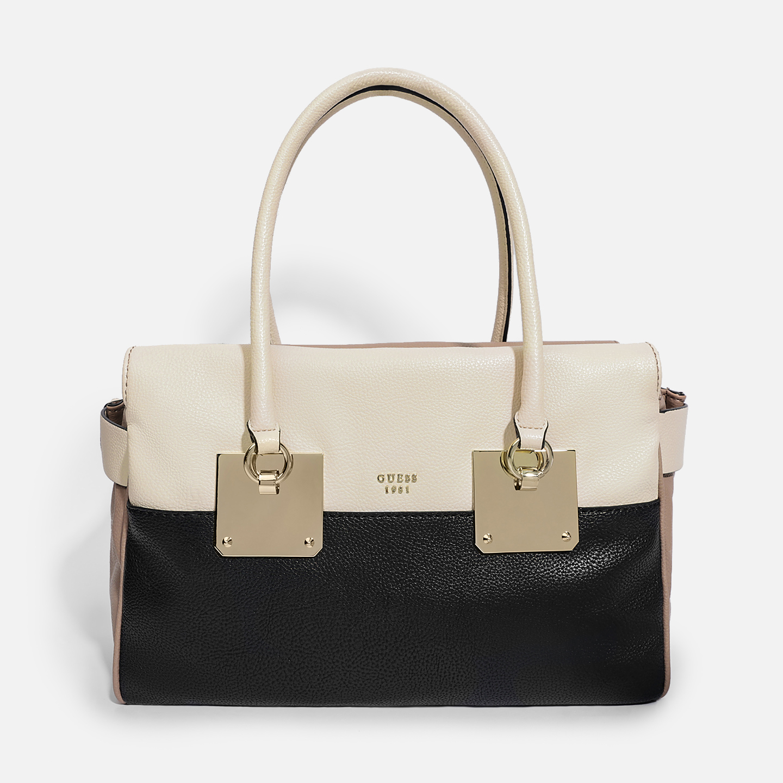 33a38bf706a2 Большая светлая сумка Luma из экокожи на двух ручках Guess Женские  классические сумки Guess Guess VG685409 beige black cream Классические ...