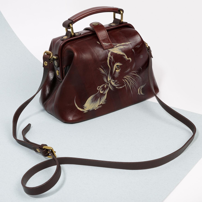 0f10d352a23a Кожаная сумка-саквояж с ручной росписью – Россия, коричневого цвета ...